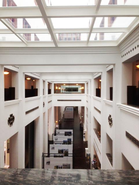 [:nl]Doorkijk in de centrale hal[:en]View of the main hall[:]