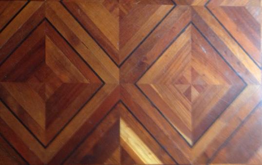[:nl]Ingelegde vloeren in de directiekamer[:en]Panelled floor tiles in the boardroom[:]